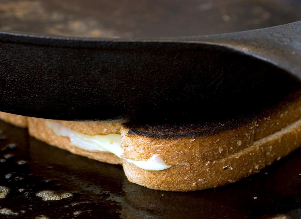Grilled cheese under the microscope in Quebec after seniors