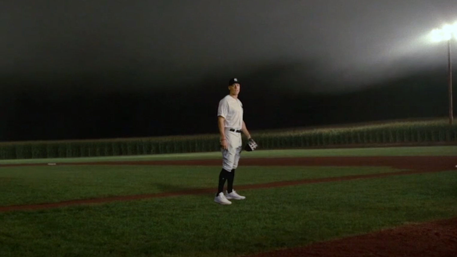 If you build it    White Sox, Yankees to play at 'Field of Dreams