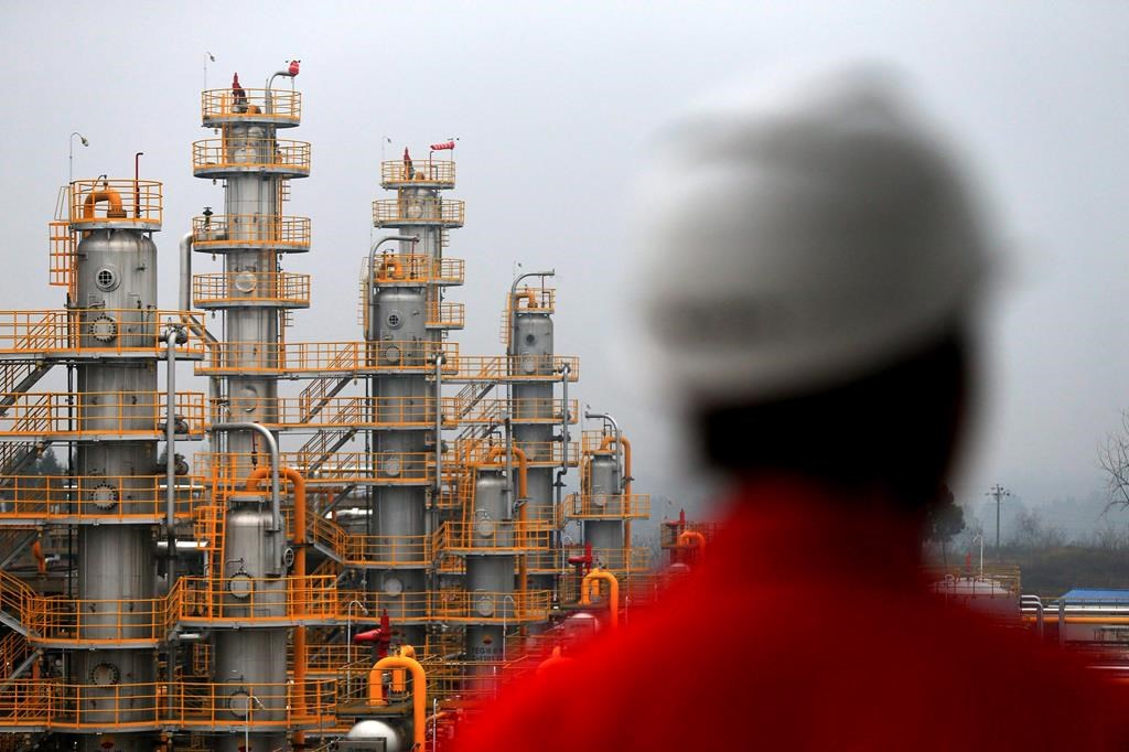 Chinese companies commit to oilsands despite setbacks and