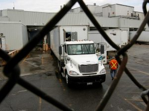 Truck drivers worried about contracting COVID-19 as restroom access becomes limited