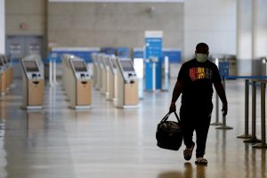 Virus leaves the US travel industry struggling to recover