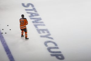 NHL returns to action 142 days after COVID-19 forced suspension of season